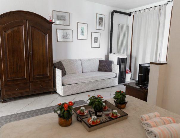 Soggiorno_appartamento_MONTE ADONE